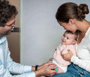 Blutvergiftung: Arzt mit Mutter und Baby